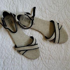 "Toms Women's ""Correa"" Flat Sandals, Size W9.5"